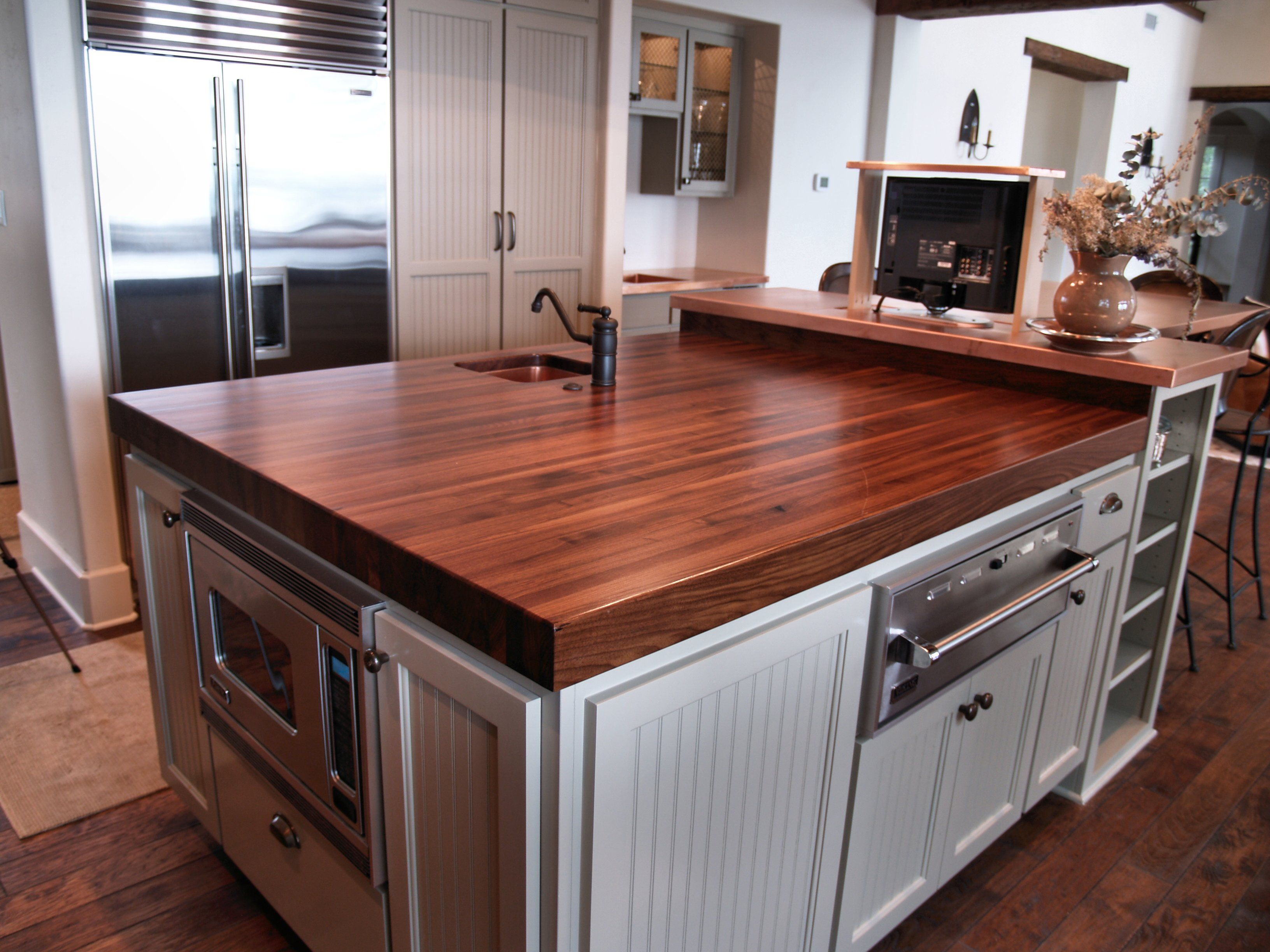 Best Wood For Butcher Block Counters: Walnut Edge Grain Wood Island Top