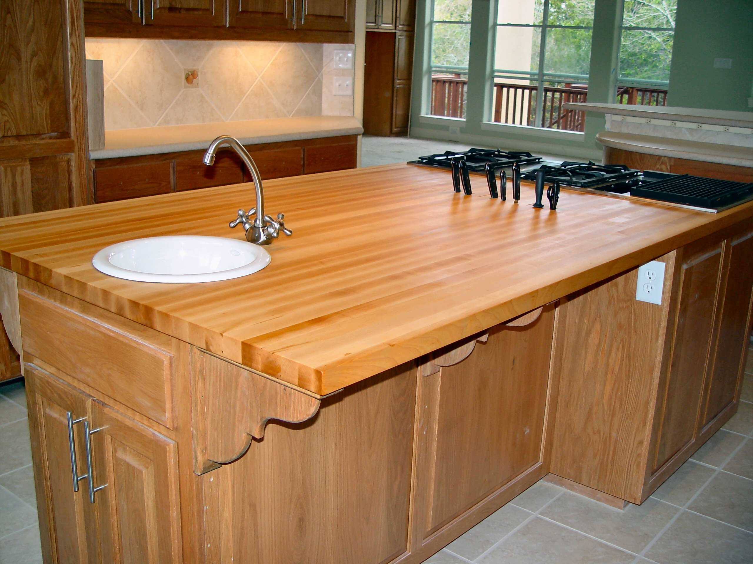 Hard maple wood countertop photo gallery by devos custom for Maple slab countertop