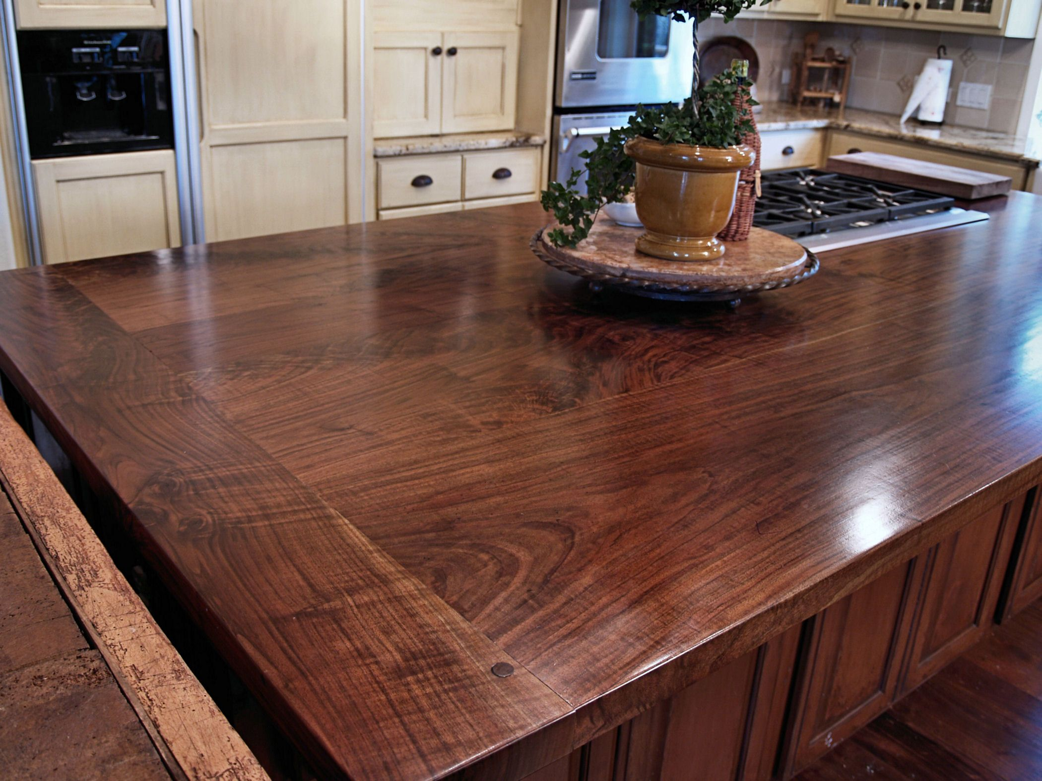 Attirant Slab Walnut Face Grain Custom Wood Island Top.